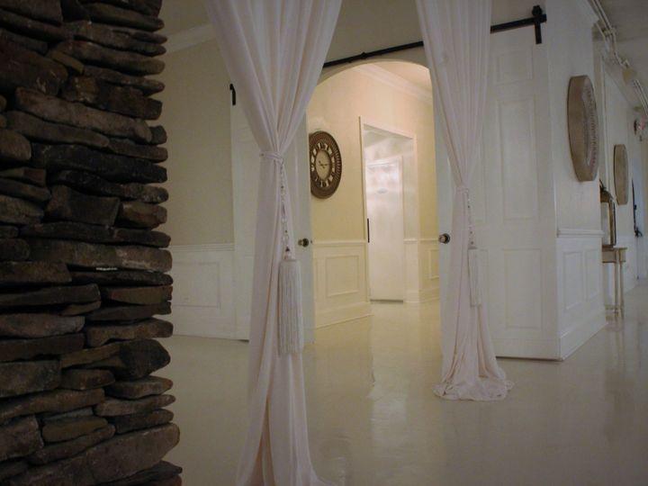Tmx 1528264391 F522df8cd04cd4a4 1528264389 A2ec6da8d4b4335b 1528264388394 5 Column Statesville, North Carolina wedding venue