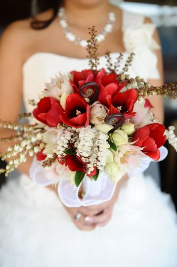 Red Tulip Bouquet - Dodger Stadium Wedding