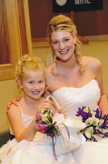 Matching bridal bouquet and flower girl basket