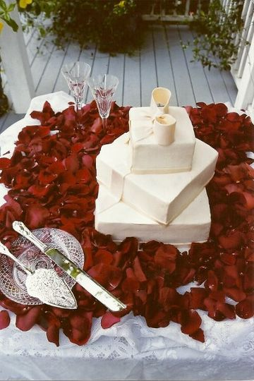 Square white cakes