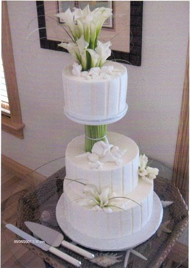 White cake with floral decoration