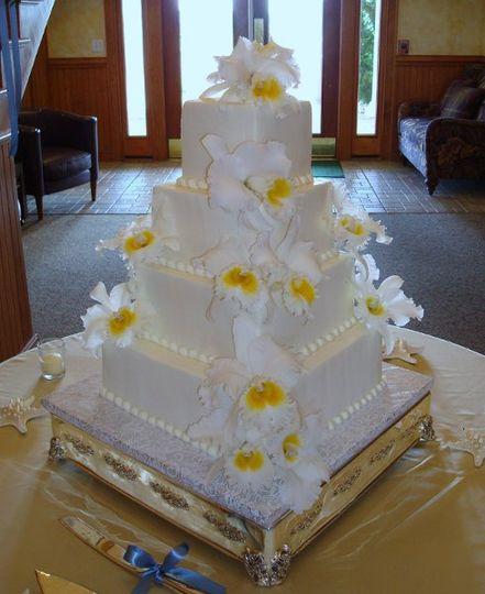 White cake with floral decorations