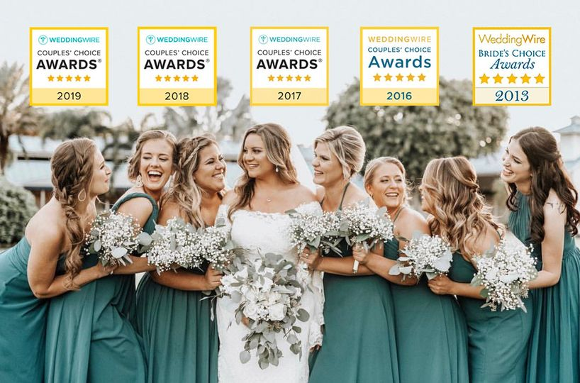 bridal party shot with all wedding wire stats 51 368531 1562873377