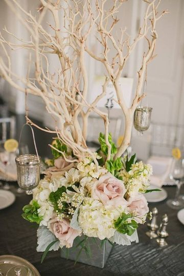 Beautiful table setup with centerpiece