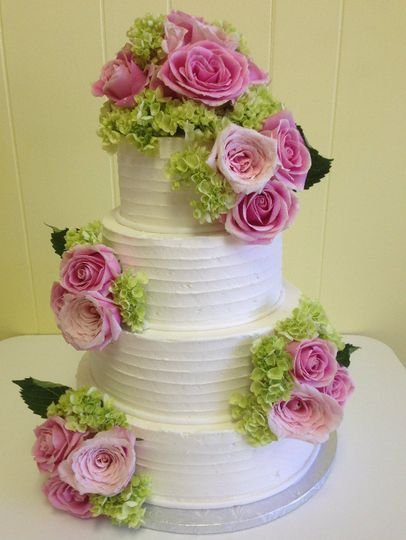 4-tier cake with pink flowers