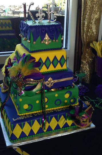 Patterned cake