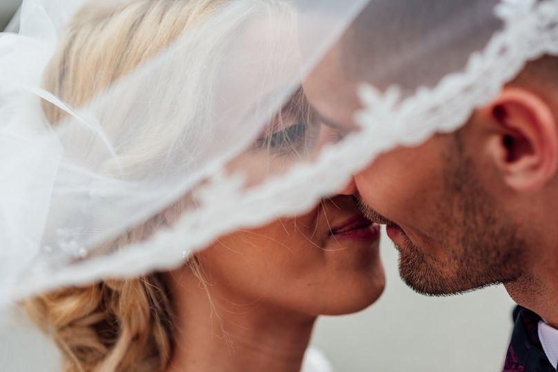 Veiled kiss