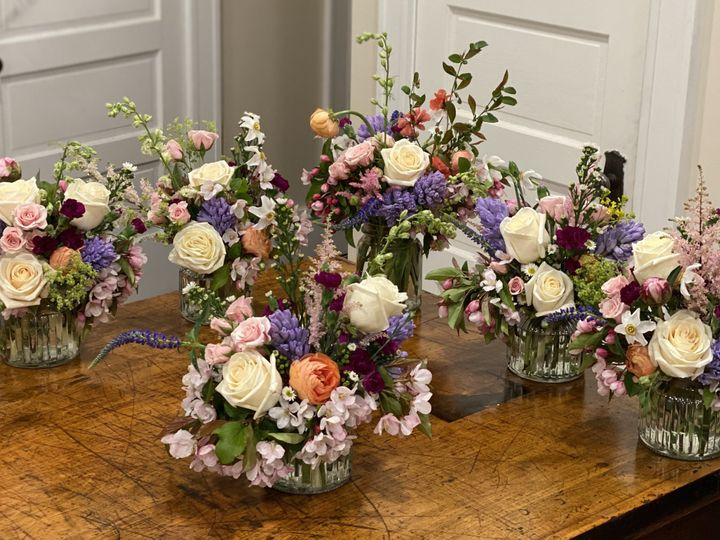 Tmx Img 5060 2 51 1897631 159777098982003 North Hampton, NH wedding florist