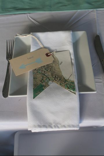 White square dinner plates offered for clients