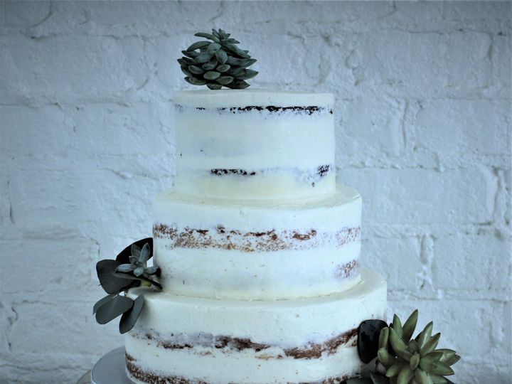 Tmx Img 0073 3 51 1033731 1556226894 Suffolk, VA wedding cake