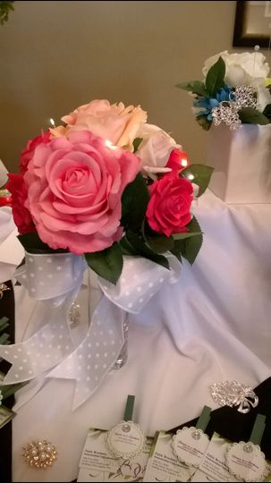 Multiple colored roses bouquet