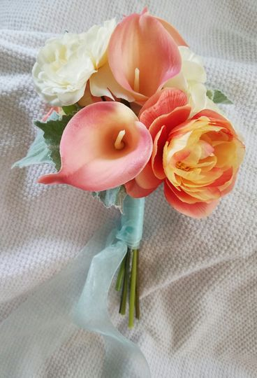 Peach and yellow bridesmaid bouquet