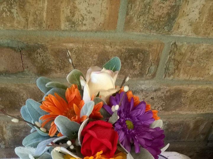 Tmx 1525370272 C4eb172241c44707 1525370271 803ebc936fbcb115 1525370241104 1 Daisy Bouquet Sequim, Washington wedding florist
