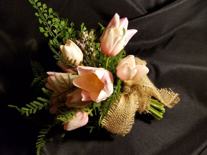 Tmx 1525370628 42ad5398668561d4 1525370625 453074fa64d36132 1525370593160 5 Pink Tulip Arrange Sequim, Washington wedding florist