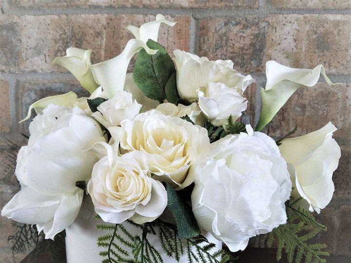 Tmx 1525647480 753bb288f091f82d 1525647479 97e9f4ff7113535a 1525647476150 7 WHITE WEDDING ARRA Sequim, Washington wedding florist