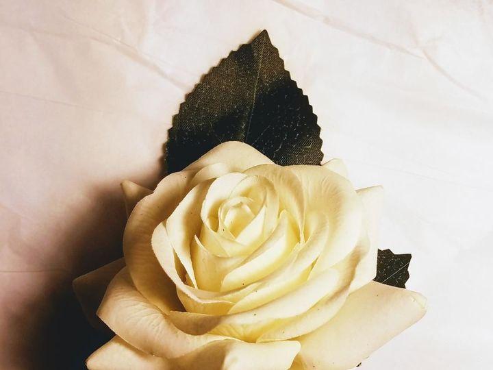 Tmx 1525649259 8e3115e2263cf959 1525649258 B6046e0b53605bc7 1525649258550 19 Cream Rose Bout Sequim, Washington wedding florist