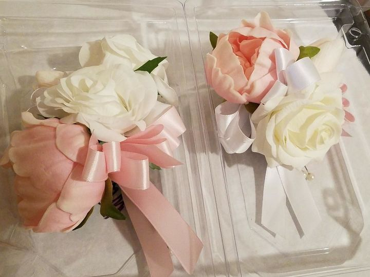 Tmx 1525649282 7e530cf9b966894d 1525649281 1a6631b9f5c64f71 1525649282054 21 Peonie And Rose C Sequim, Washington wedding florist