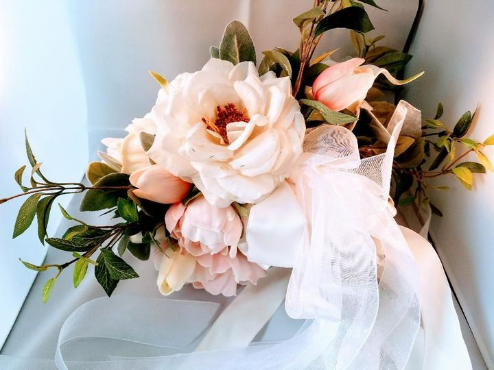 Tmx 1525649315 754e89821469952a 1525649313 B64452d474e8cf69 1525649313904 24 Rose And Peonie A Sequim, Washington wedding florist