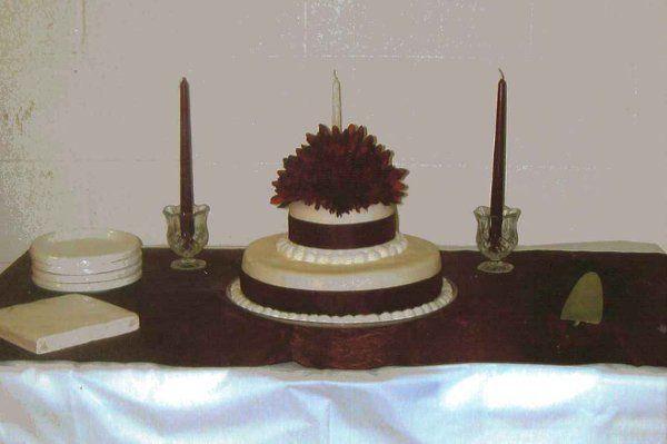 Tmx 1308838146528 SimpleBurgundy Stedman wedding cake
