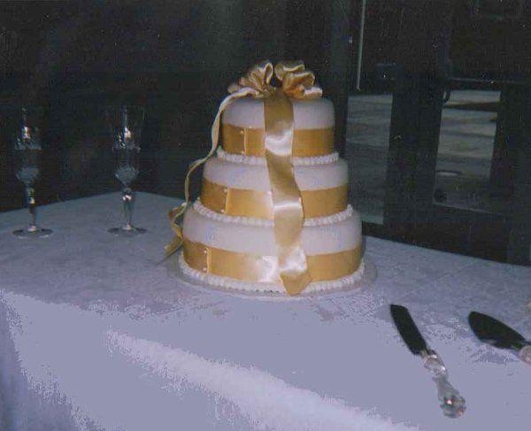 Tmx 1308838289731 YellowSatin Stedman wedding cake