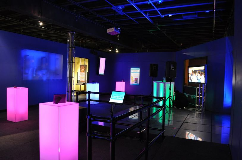 Main Gallery / Energy Dance Floor