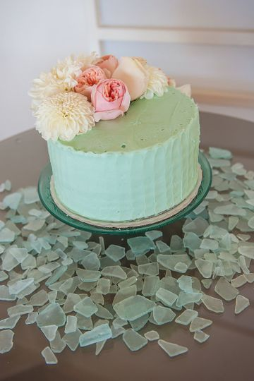 dahlia and rose flower cake