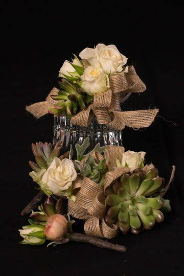 rustic corsage and boutonniere