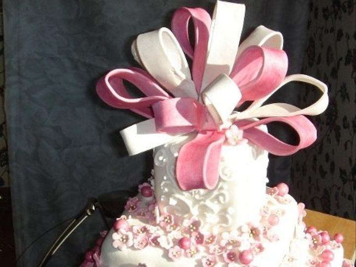 Tmx 1217760069497 3tierweddingorbirthdaycakewithpinksugarsculpturebows%2Cpearlsandflowers Greenville wedding cake