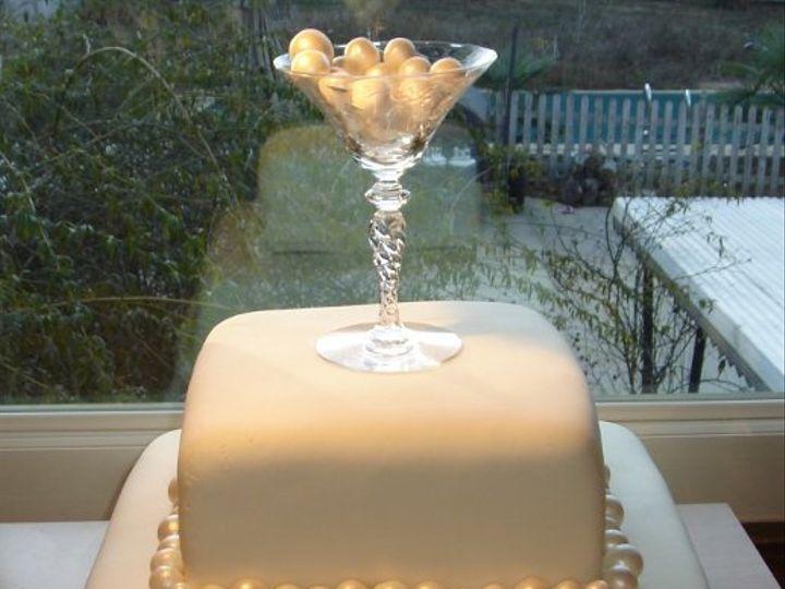 Tmx 1229051940564 2layerweddingcakewithsugarpearlsandchampgneglass Greenville wedding cake