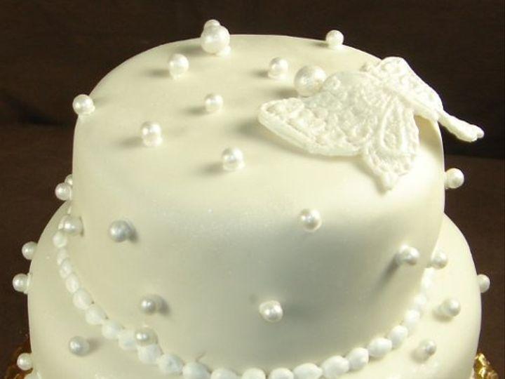 Tmx 1229052330877 Twotierwhitefondantweddingcake004 Greenville wedding cake