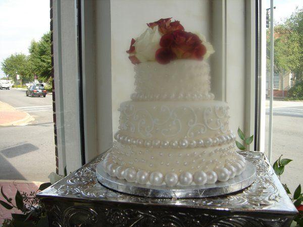 Tmx 1229378354259 Fondantweddingcakewithhandrolledpearlsandroses015 Greenville wedding cake
