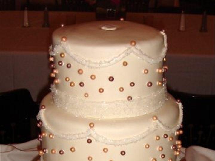 Tmx 1255044406208 Fourtierivoryfondantweddingcakewithsugarcrystalsandbrownandgoldpearls Greenville wedding cake