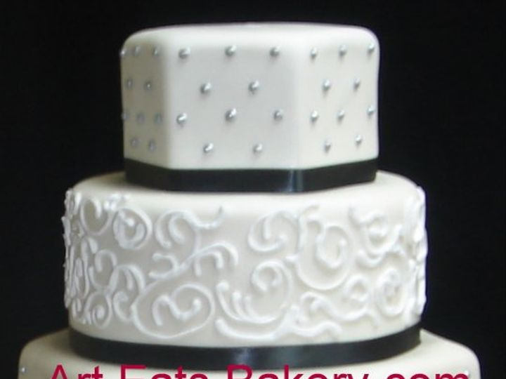 Tmx 1279494622062 Threetierwhitefondantcustomhexagonandroundweddingcakewithsilverdotsandblackribbons Greenville wedding cake