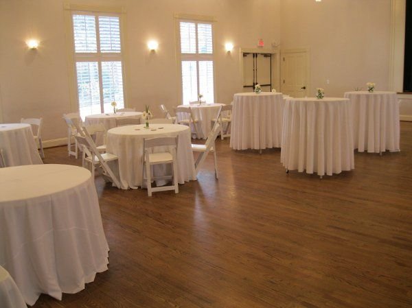 A simple and elegant afternoon wedding reception