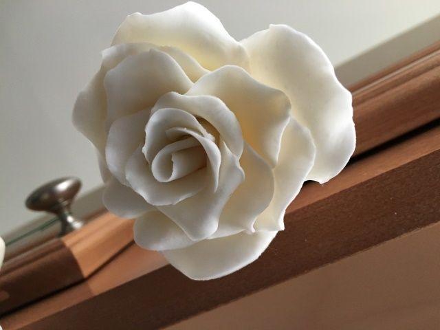 Cake flower detail