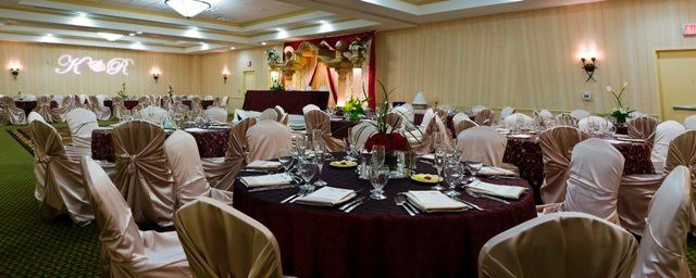 Indoor table setting