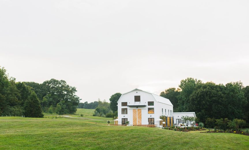 white barn wedding dash photography 9038 edt web 02 51 1065831 159671909686330