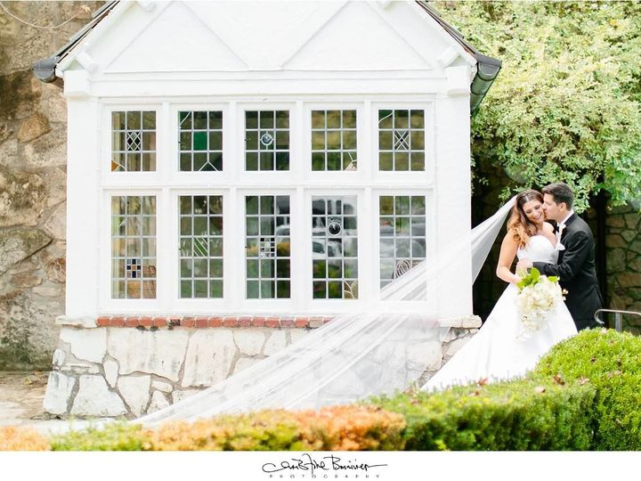 Tmx 1527259682 Dec0a24e7170b372 1527259680 24f9c3710c11144f 1527259677766 4 28616417 101556716 Springfield, Missouri wedding planner