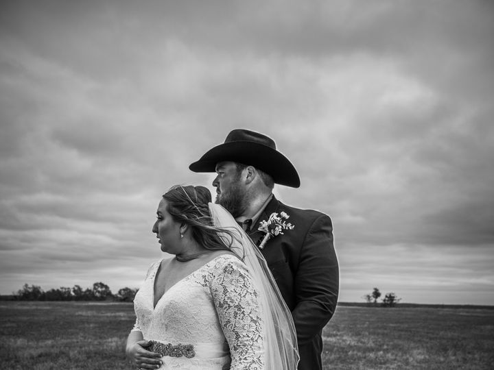 Tmx 75b9f228 Dff3 482b 98bc 4cf944a797c2 51 1929831 160428383047825 Jenks, OK wedding photography