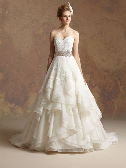 Merlili bridal boutique dress attire coral gables for Coral gables wedding dresses