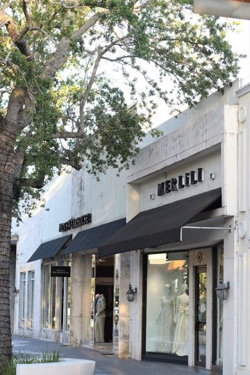 Our coral-faced boutique is located in the heart of Coral Gables, right on Miracle Mile