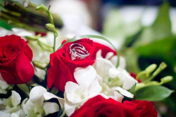 61d6ad43546a65e6 1329961434545 flowers3