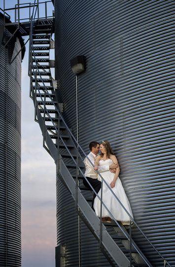 barn wedding columbus ohio bly photography