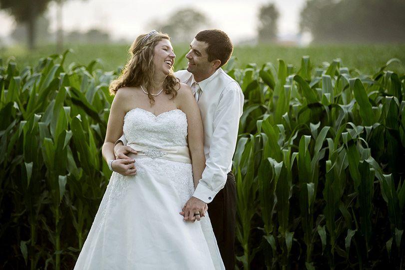 field wedding best columbus ohio wedding photograp