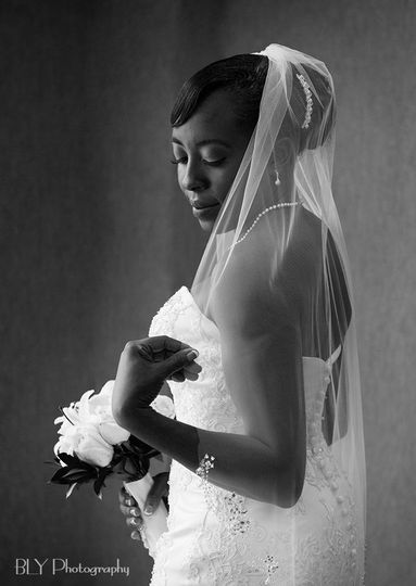 bride window portrait columbus photographer bly ph