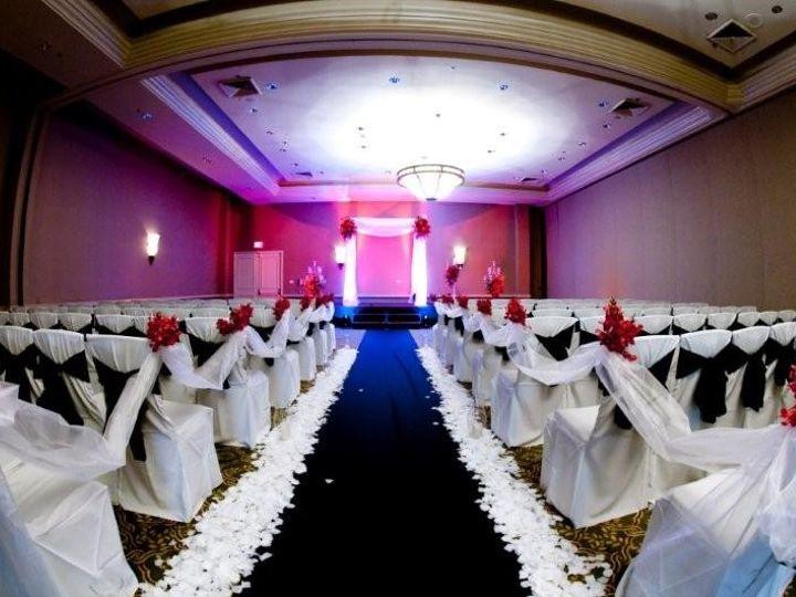 Tmx Black White Red Ceremony 51 1862931 157504076021726 Melbourne, FL wedding venue