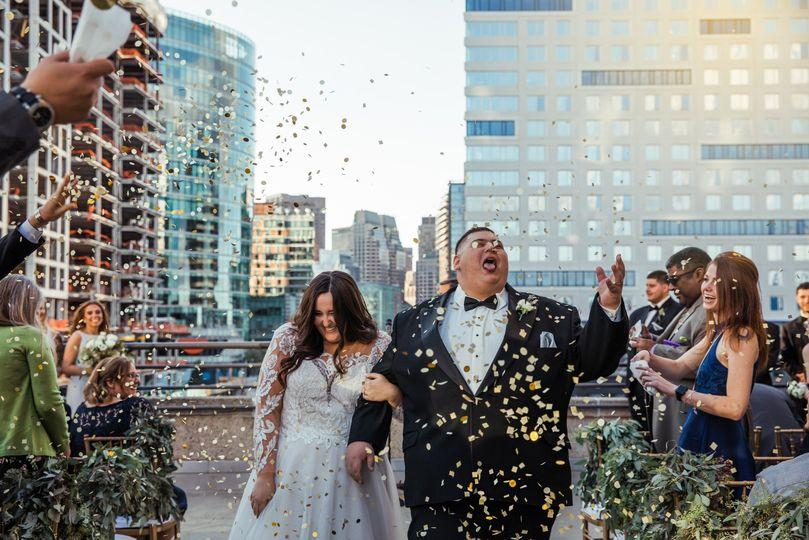 LOVE a confetti exit!