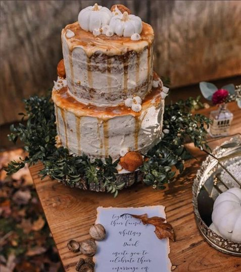Naked autumnal cake