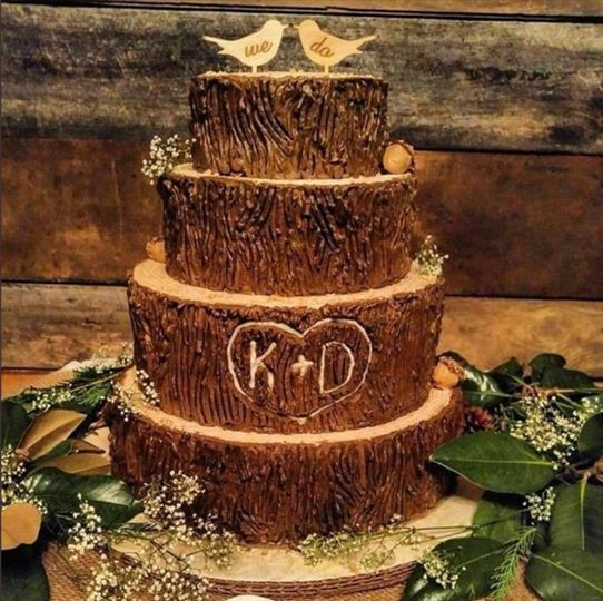 Rustic wood-style frosting