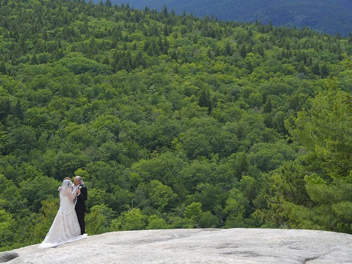 Tmx Wedding Couple Ledge 51 46931 North Conway, NH wedding venue